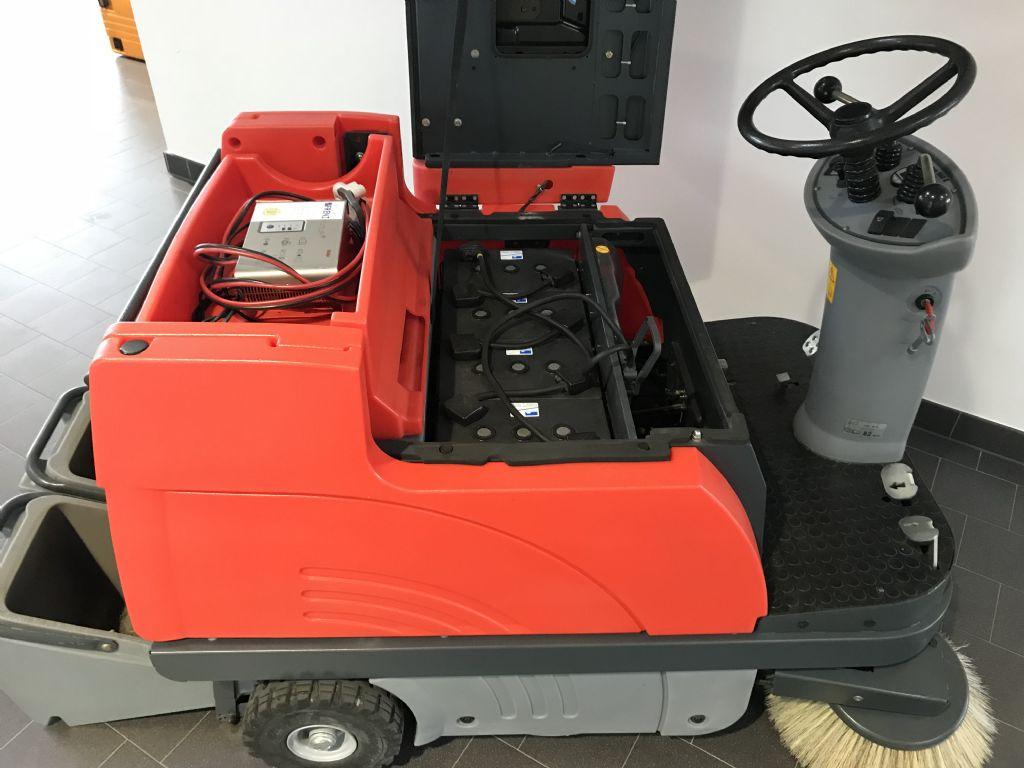 Hako-B980 R-Kehrsaugmaschine-www.frenz-gabelstapler.de
