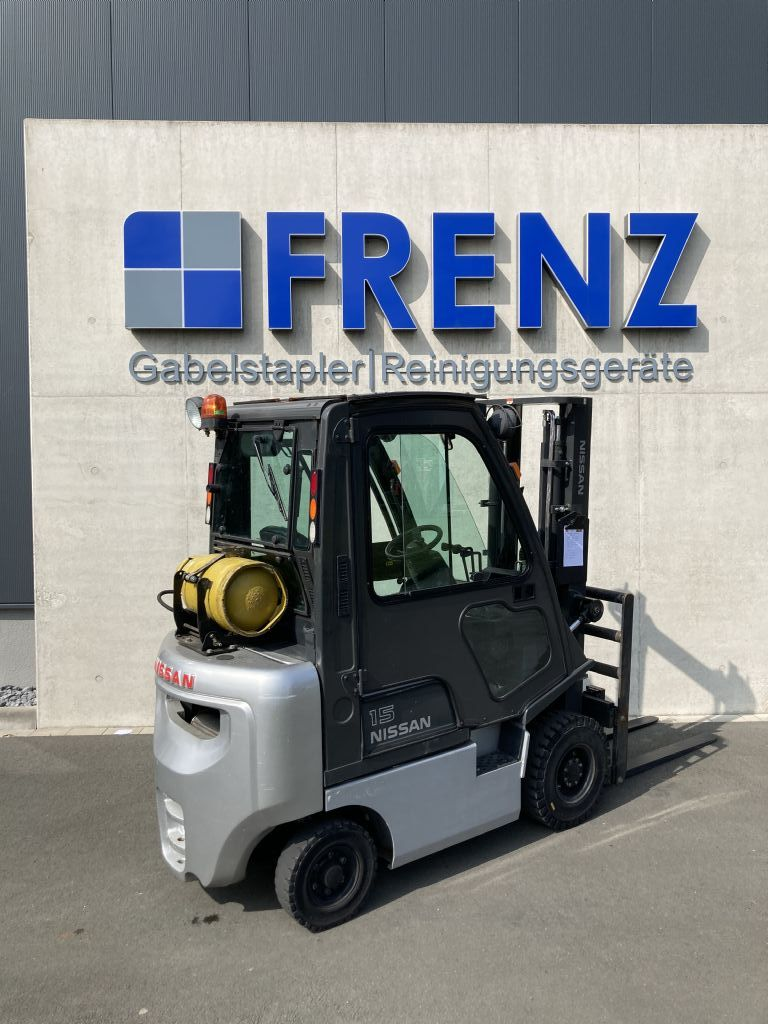 Nissan-DX15-Treibgasstapler-www.frenz-gabelstapler.de