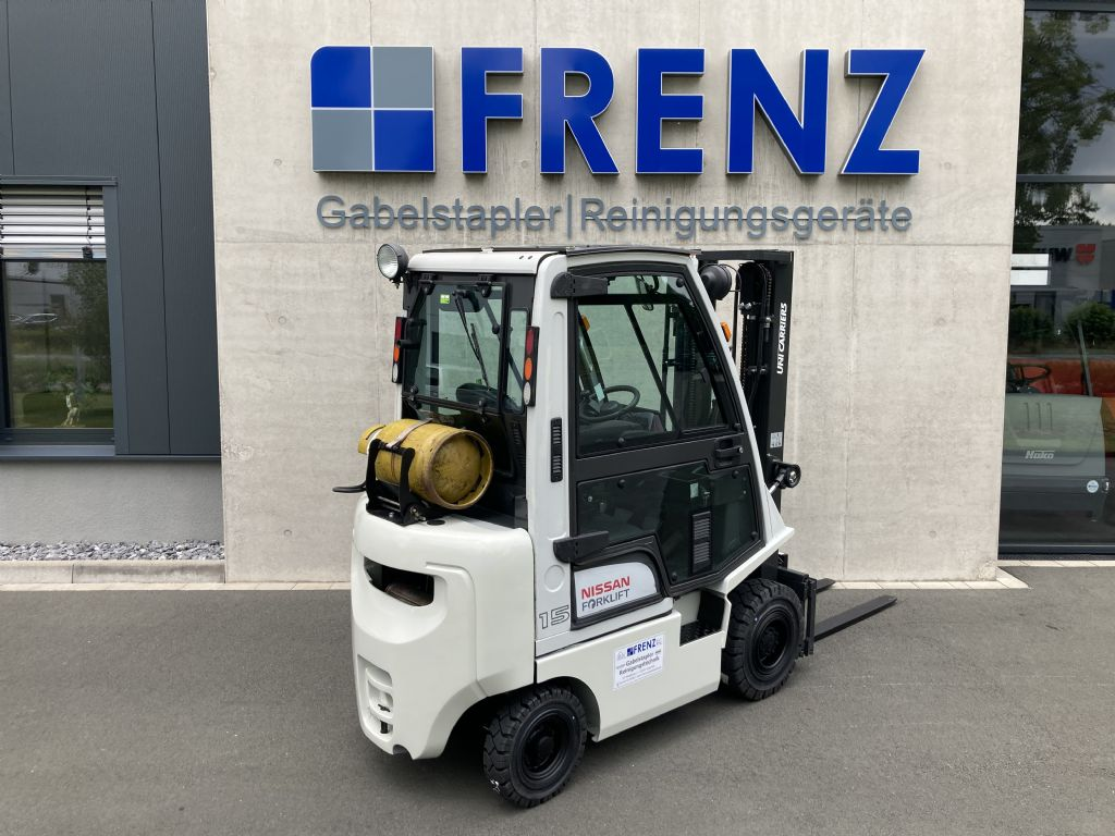 Nissan-P1D1A15LQ-Treibgasstapler-www.frenz-gabelstapler.de