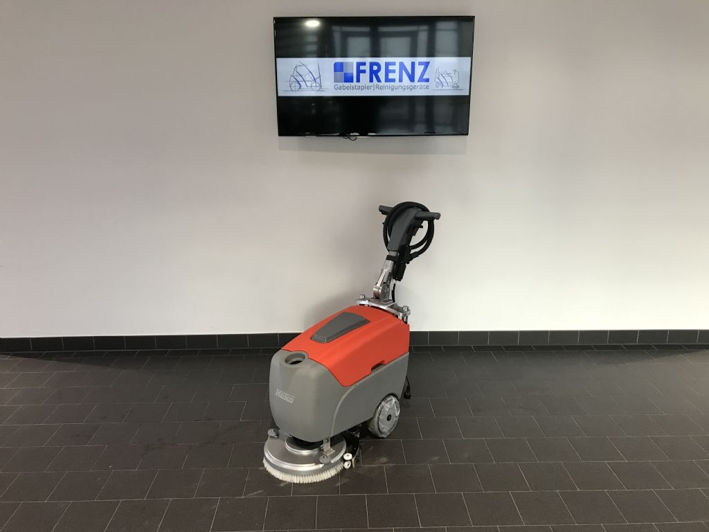 Hako-B12-Scheuersaugmaschine-www.frenz-gabelstapler.de
