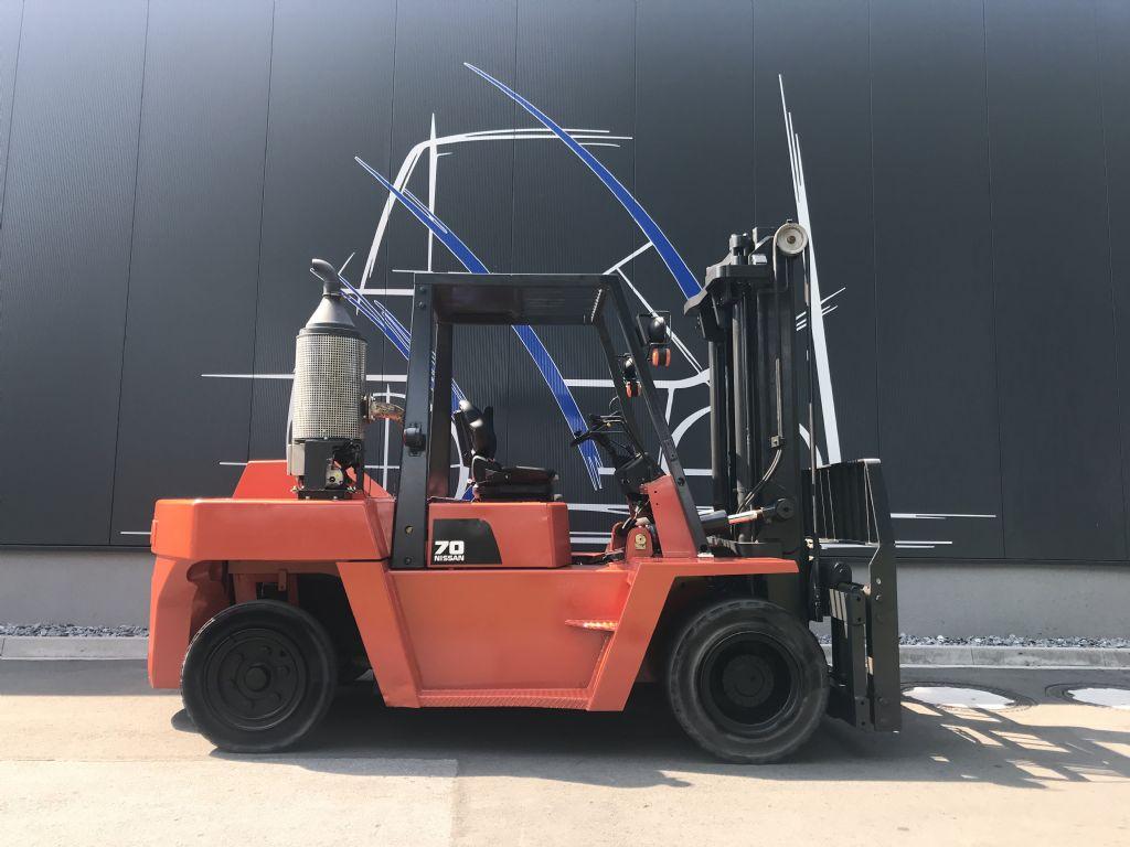 Nissan-VF05H70U-Dieselstapler-www.frenz-gabelstapler.de