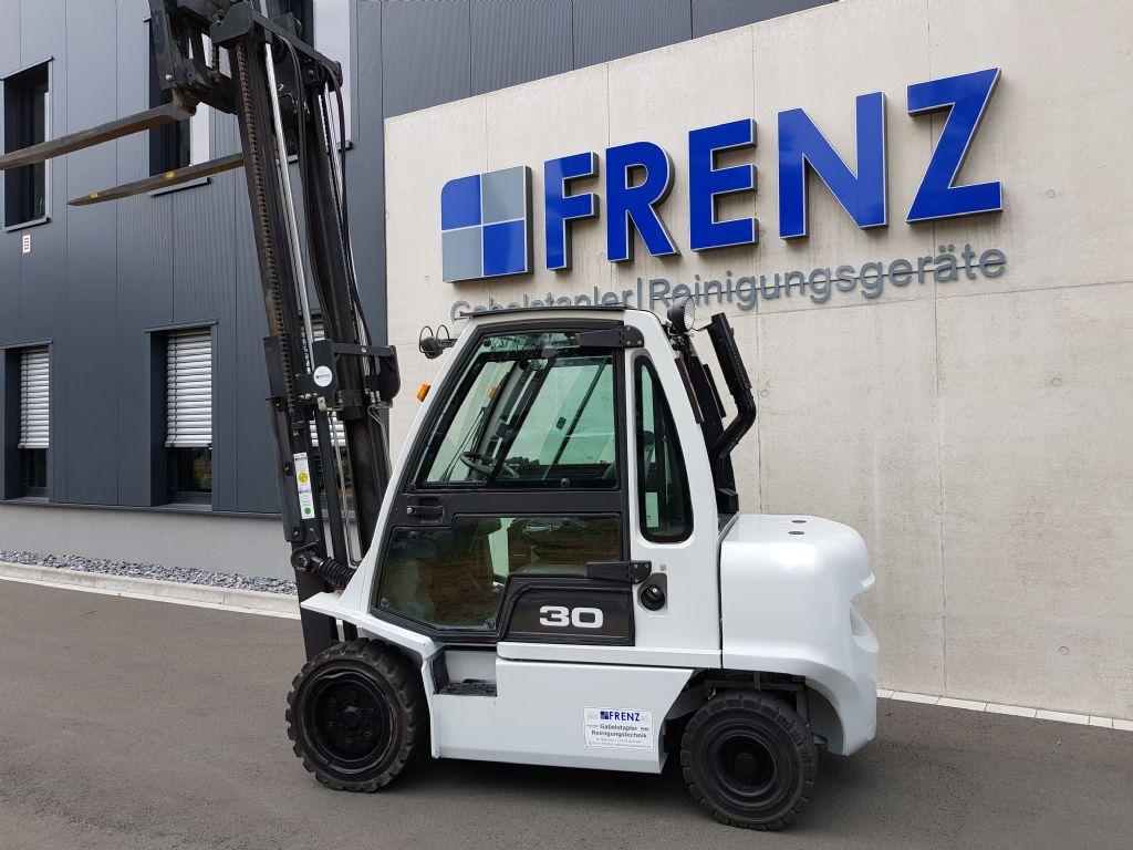 UniCarriers-DX30-Dieselstapler-www.frenz-gabelstapler.de