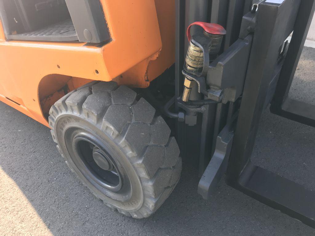 Still-R50-15-Elektro 3 Rad-Stapler-www.frenz-gabelstapler.de
