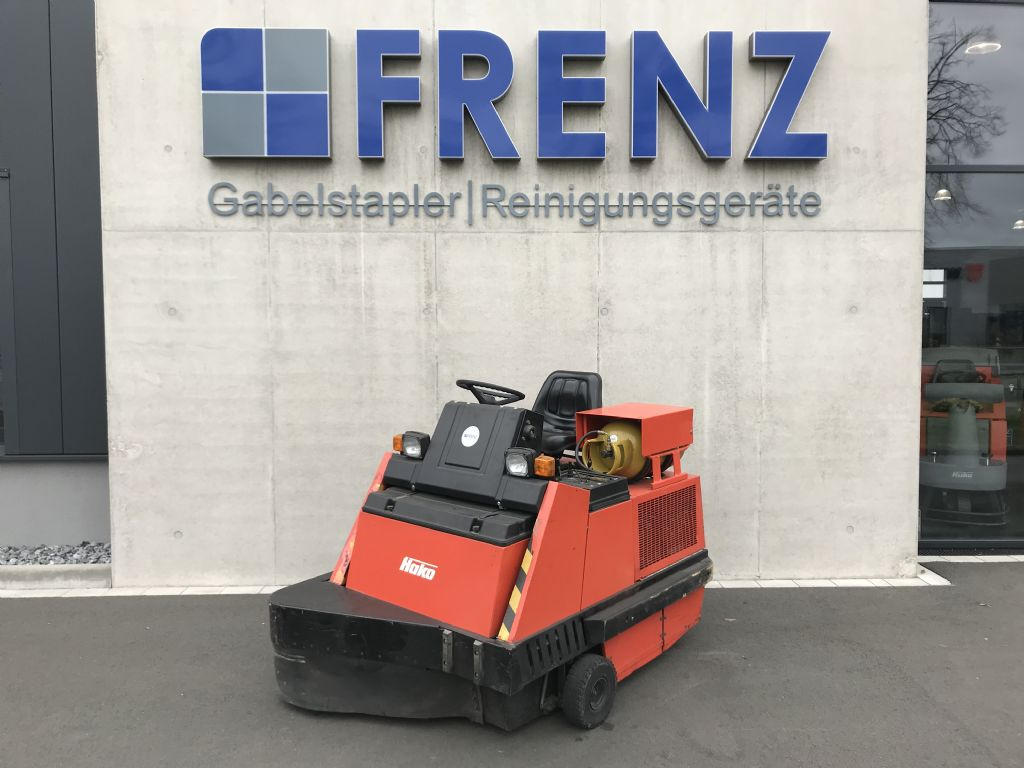 Hako-Jonas 1100-Kehrsaugmaschine-www.frenz-gabelstapler.de