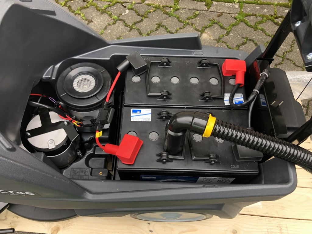 IPC CT46 B50 Scheuersaugmaschine www.graf-gabelstapler.de