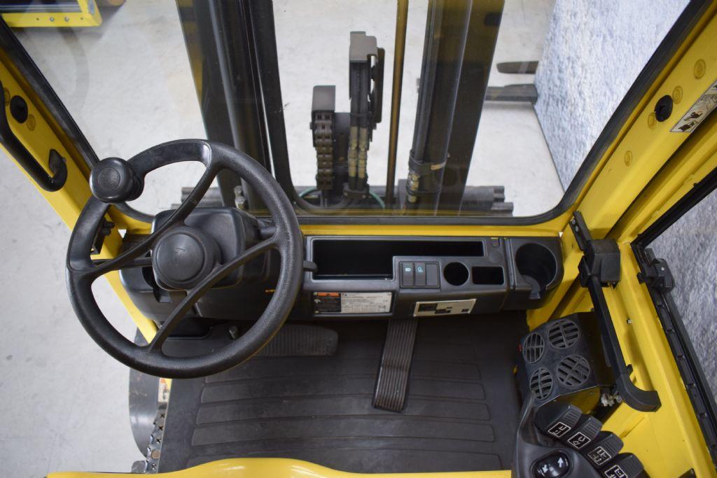 Hyster E 5.50 XN Elektro 4 Rad-Stapler www.gs-gabelstapler.de