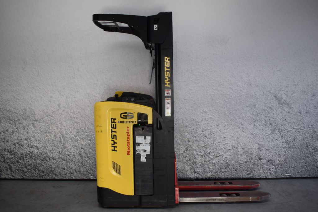 Hyster RS 1.6 Quersitzstapler www.gs-gabelstapler.de