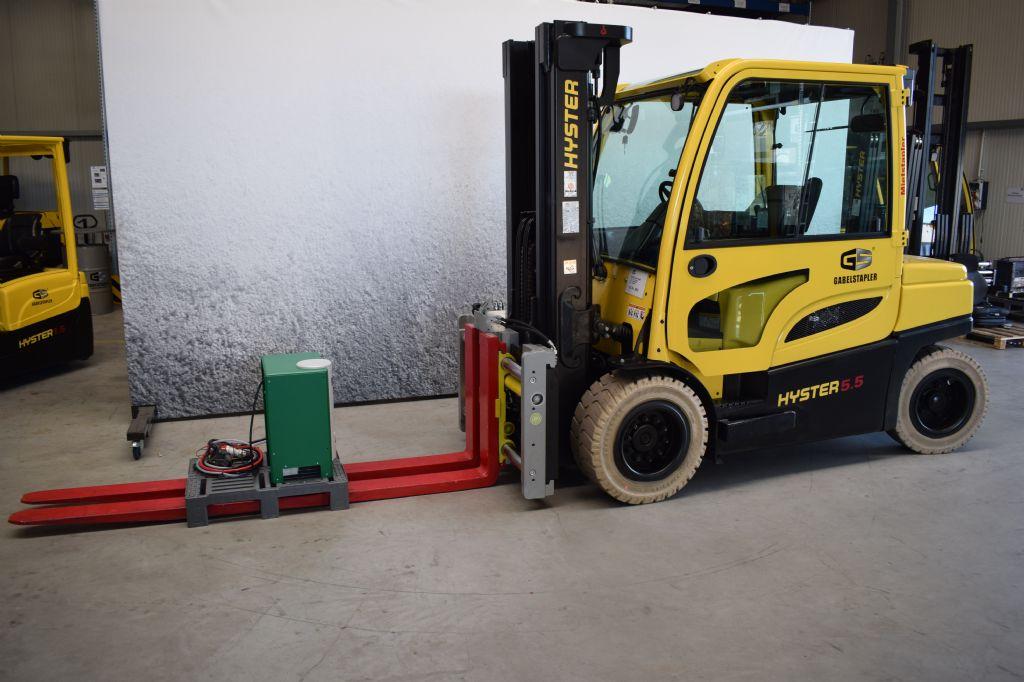 Hyster-J 5.50 XN-Elektro 4 Rad-Stapler-www.gs-gabelstapler.de