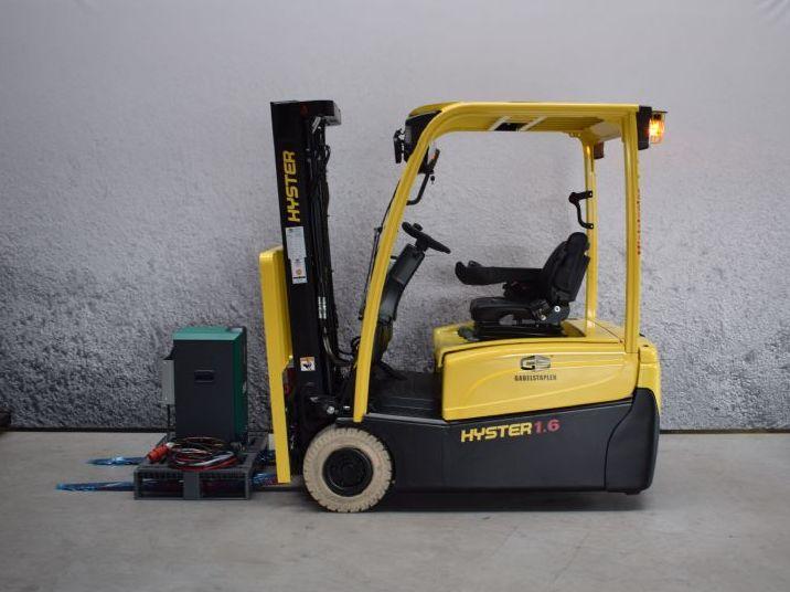 Hyster-J 1.60 XNT-Elektro 3 Rad-Stapler-www.gs-gabelstapler.de