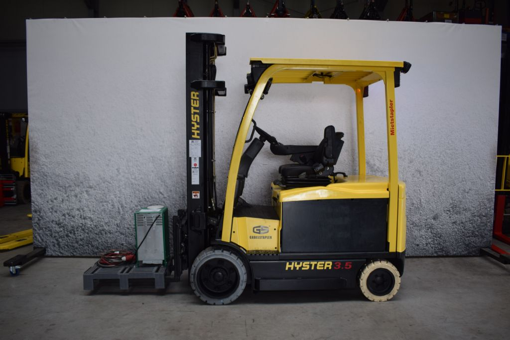 Hyster E 3.5 XN Elektro 4 Rad-Stapler www.gs-gabelstapler.de