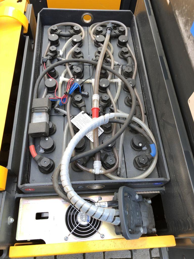 Jungheinrich EKS 110 Betriebsstunden 2301 Hochhubkommissionierer www.gst-logistic.com
