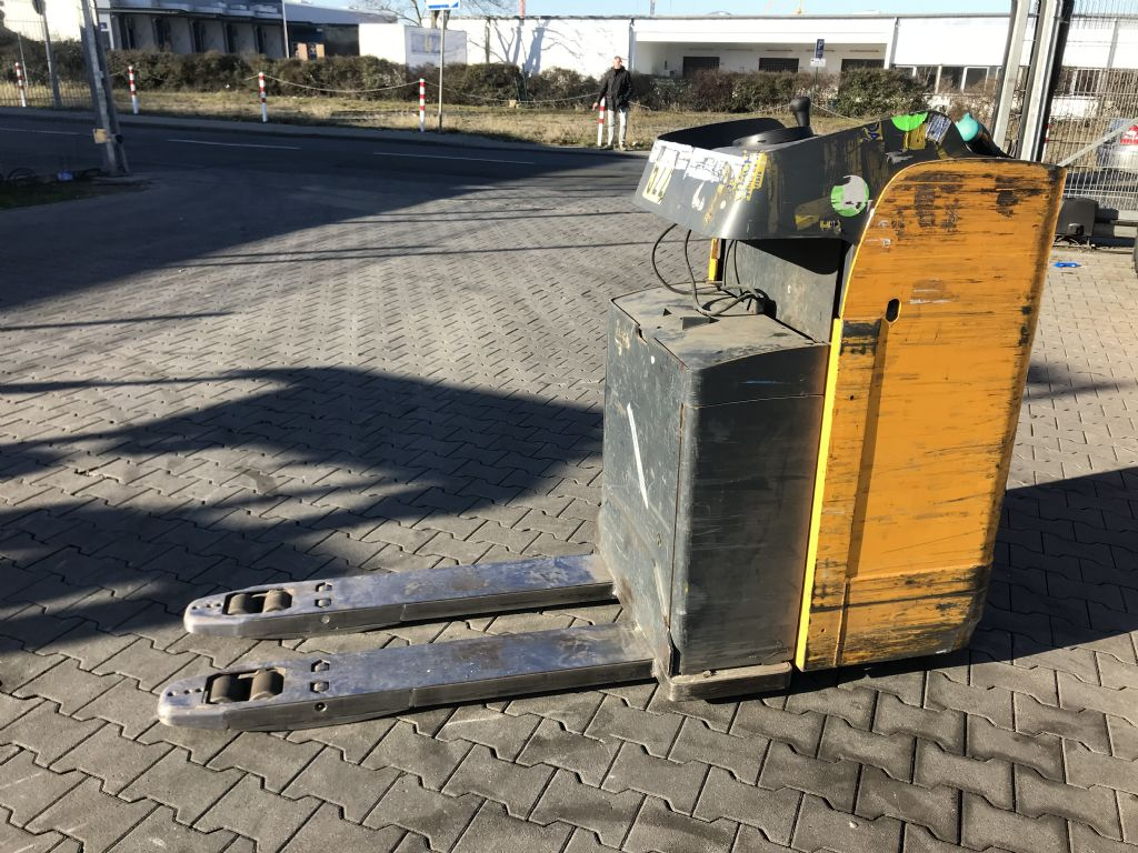 Jungheinrich ESE 120 Baujahr 2013 Betriebsstunden 3809 Batterie Baujahr 2013 Hochhubwagen www.gst-logistic.com