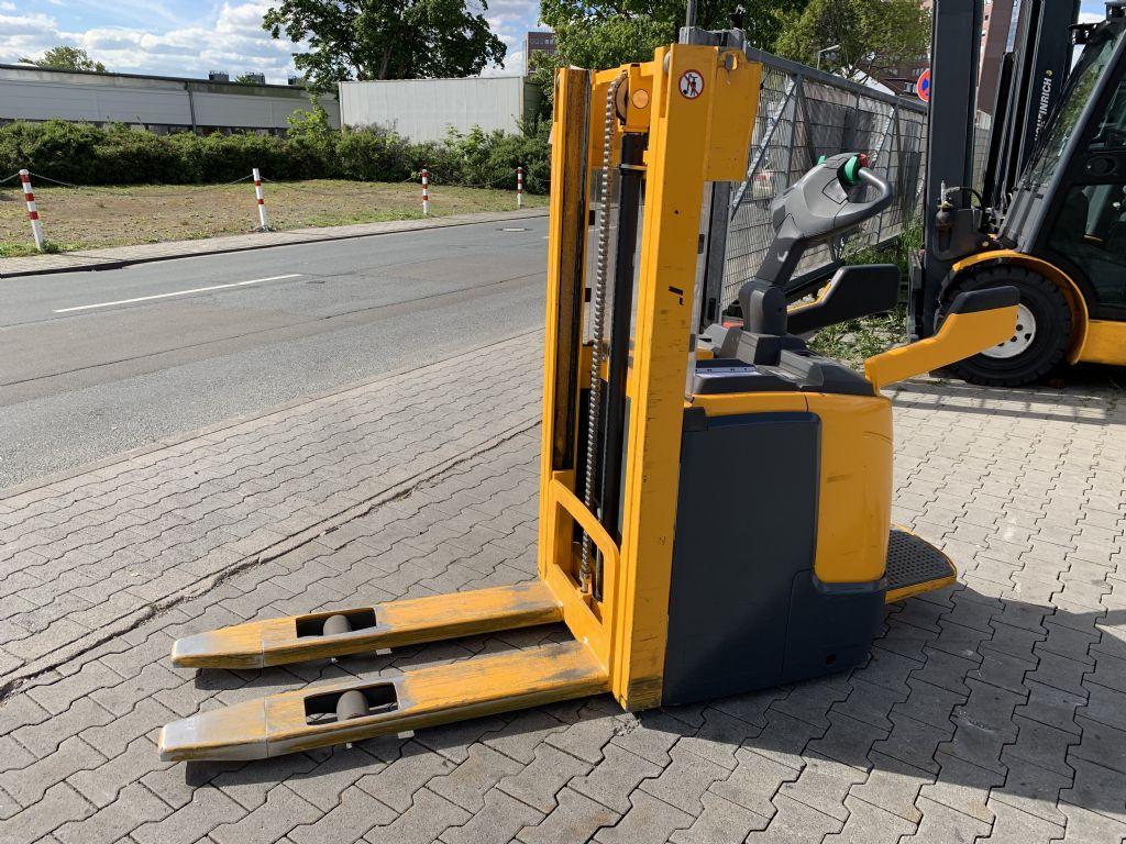 Jungheinrich ERC 212 Baujahr 2011 Betriebsstunden 2572 Klappbare Plattform Hochhubwagen www.gst-logistic.com