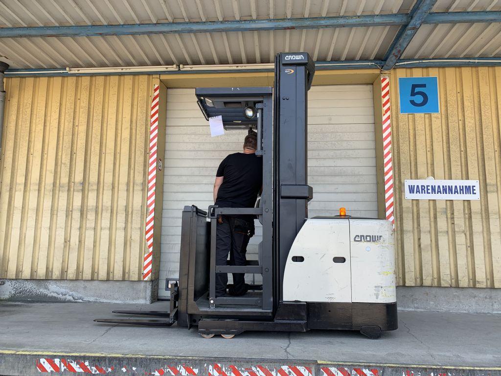 Crown SP 3522 Baujahr 2011 HH 6860  Betriebsstd. 6815 Hochhubkommissionierer www.gst-logistic.com