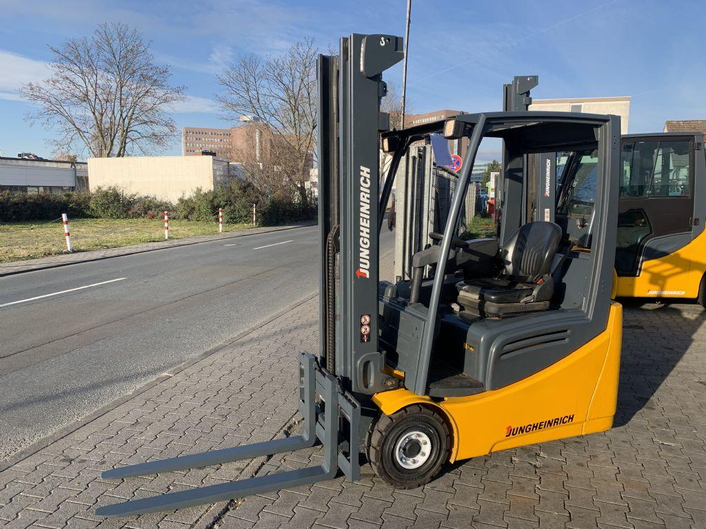 Jungheinrich EFG 216 Baujahr 2012/  STUNDEN 2082 /TRIPLEX  Elektro 3 Rad-Stapler www.gst-logistic.com