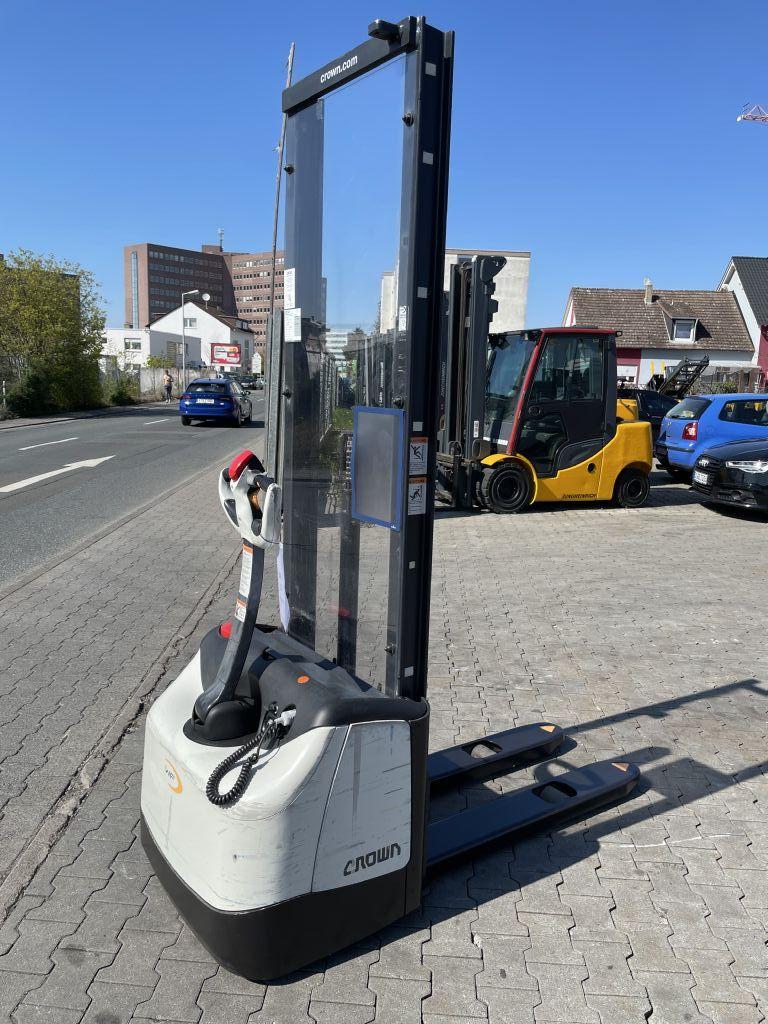 Crown WF 30001.0  Baujahr 2011 HH 2000 Stunden 2714 Hochhubwagen www.gst-logistic.com