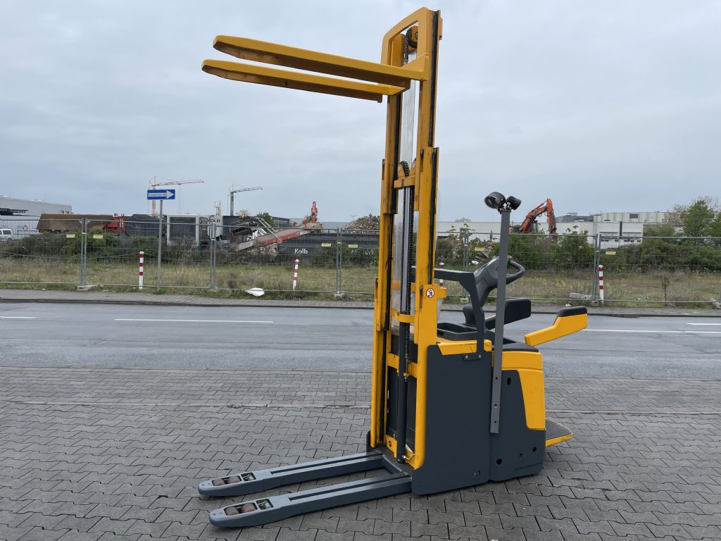 Jungheinrich ERD 220 Baujahr 2013 HH 2,5 M Stunden 10877 High Lift stacker www.gst-logistic.com