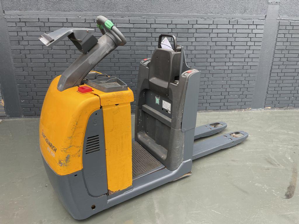 Jungheinrich ECE 220 Baujahr 2015/ Batterie 2014 / Stunden 3347 Niederhubkommissionierer www.gst-logistic.com