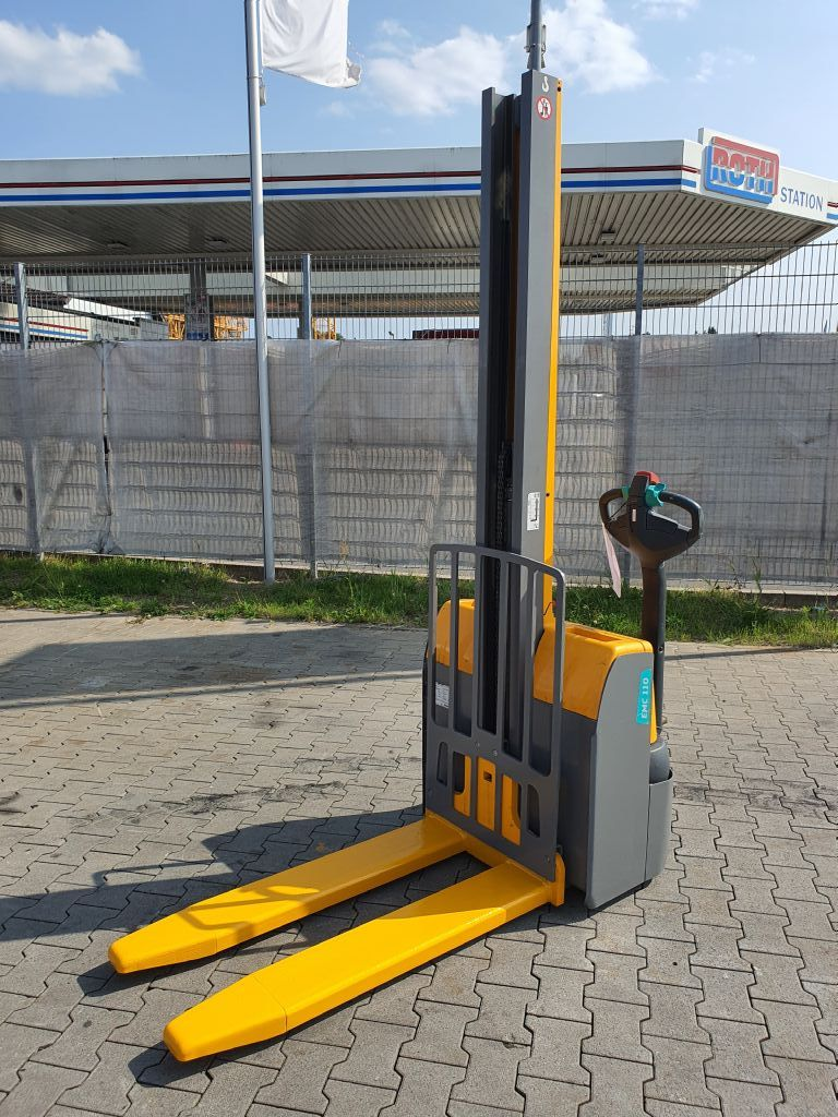 Jungheinrich EMC 110 Baujahr 2015 Stunden 1142 Hubhöhe 2000 Hochhubwagen www.gst-logistic.com