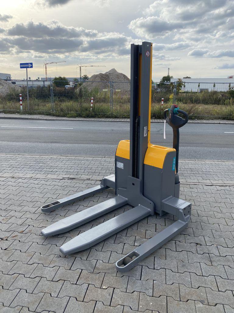 Jungheinrich EMC B 10 Baujahr 2018 ladegerät Integriert Hochhubwagen www.gst-logistic.com