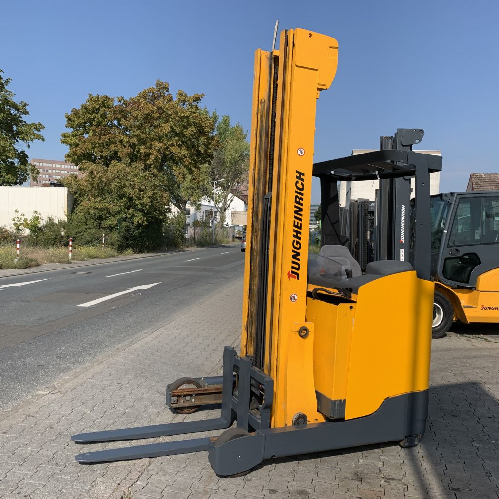 Jungheinrich ETV 216 Baujahr 2012 /Stunden 6534/ HH 7400 Schubmaststapler www.gst-logistic.com