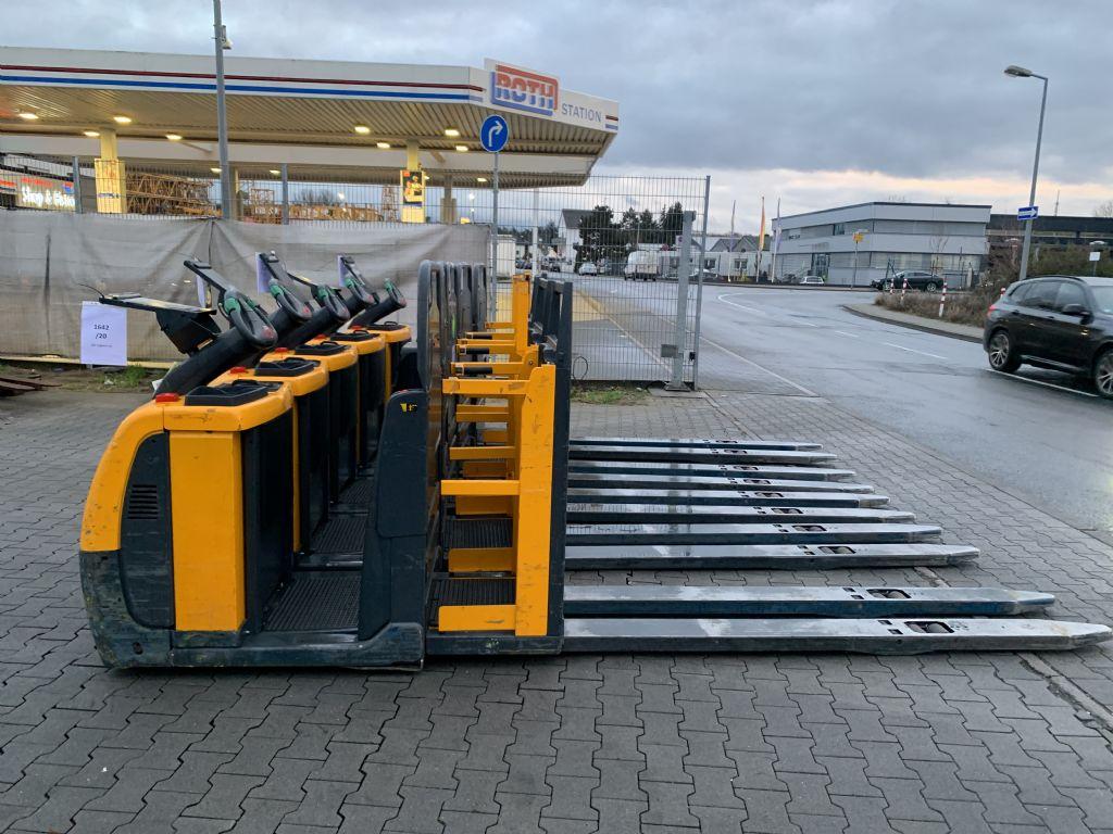 Jungheinrich ECE 225 Baujahr 2014 5x Vorhanden Niederhubkommissionierer www.gst-logistic.com