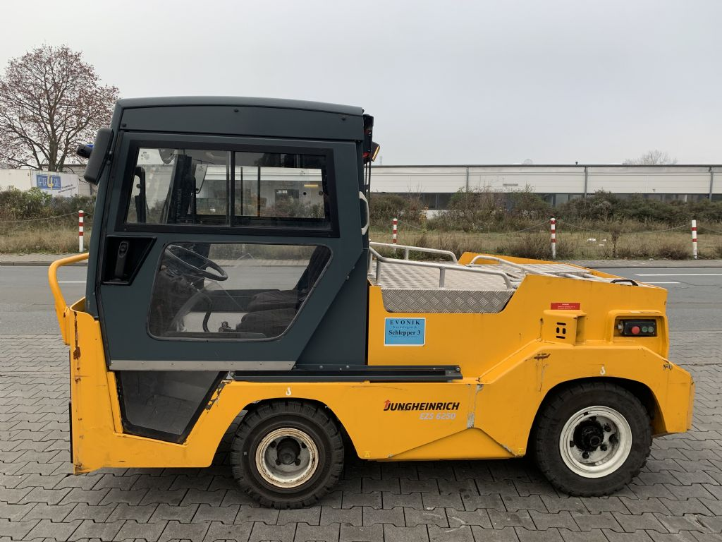 Jungheinrich EZS 6250 Baujahr 2015 Betriebsstunden 1049 Schlepper www.gst-logistic.com