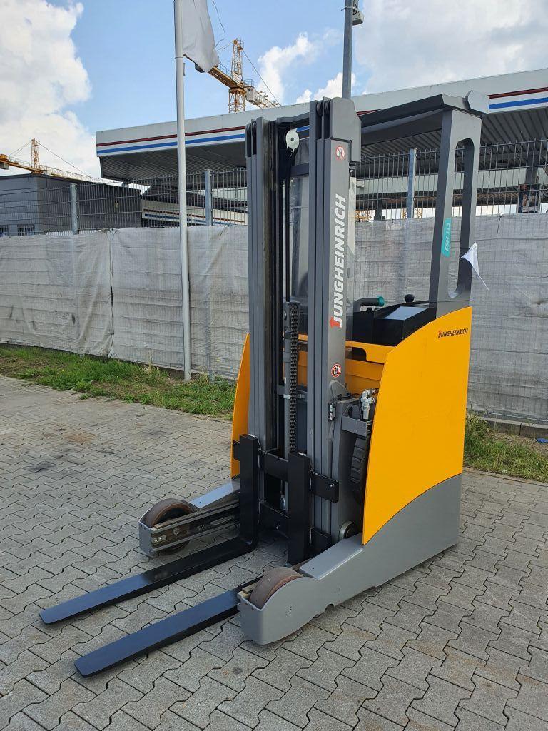 Jungheinrich ESM 113  Baujahr 2016 Stunden 94 Neuwertig Schubmaststapler www.gst-logistic.com