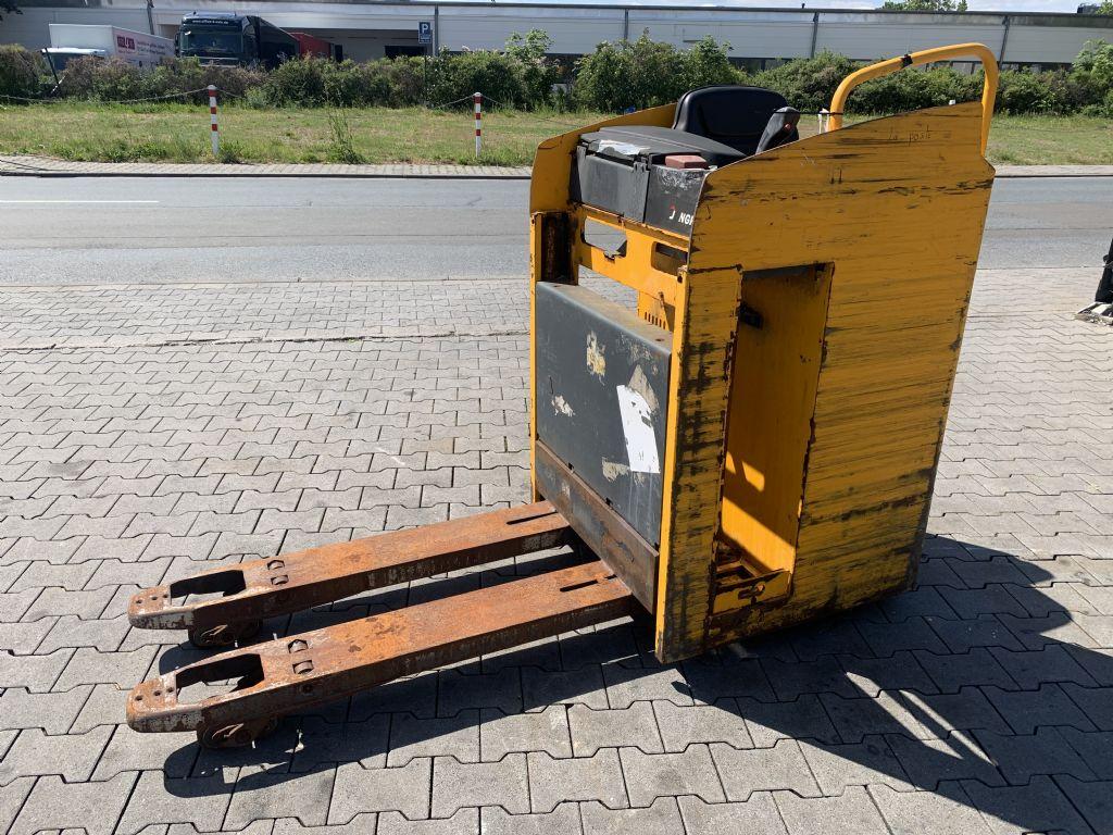 Jungheinrich ESE 220 Baujahr 2014 Defekt Ohne Batterie  Niederhubkommissionierer www.gst-logistic.com