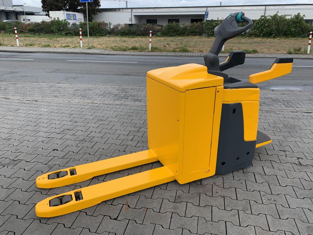 Jungheinrich ERE 225 Baujahr 2012 Stunden 10714 Batterie Bj 15 Niederhubkommissionierer www.gst-logistic.com