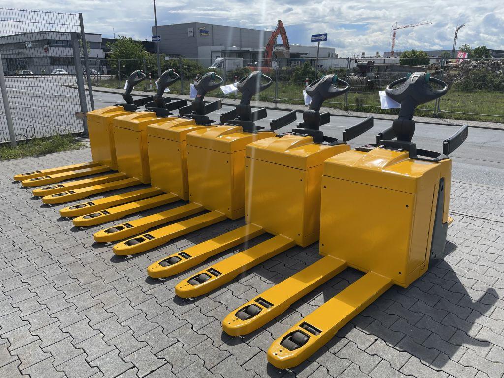Jungheinrich ERE 120 Baujahr 2015 Stunden 6 x Vorhanden Niederhubkommissionierer www.gst-logistic.com