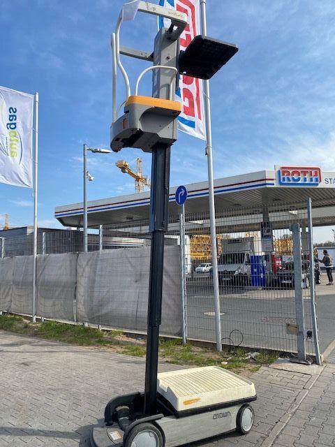 Crown WAV 50-118 Baujahr 2014  Mittelhubkommissionierer www.gst-logistic.com