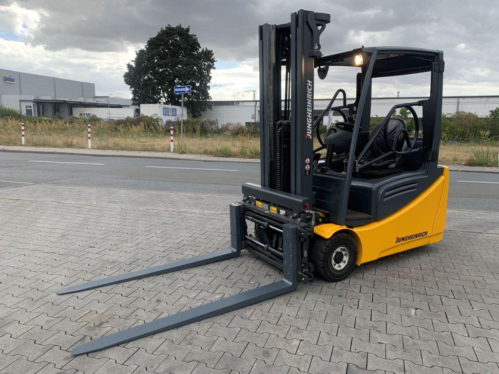 Jungheinrich EFG 216 Baujahr 2015/  STUNDEN 12915 TRIPLEX 5 M. Elektro 3 Rad-Stapler www.gst-logistic.com