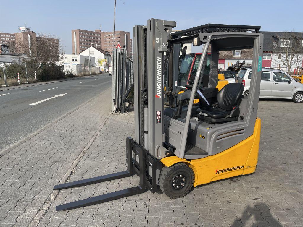 Jungheinrich EFG 213 Baujahr 2018 Hours 898 NEUWERTIG Elektro 3 Rad-Stapler www.gst-logistic.com