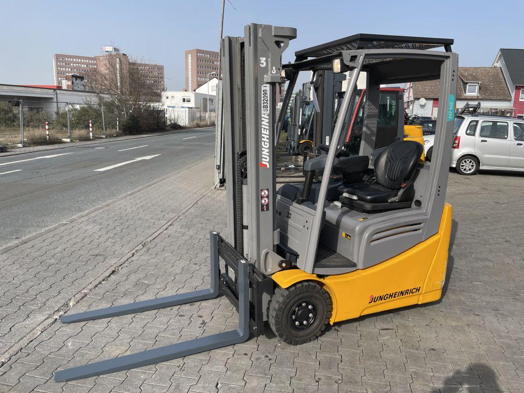 Jungheinrich EFG 213 Baujahr 2018 Hours 368 NEUWERTIG Elektro 3 Rad-Stapler www.gst-logistic.com
