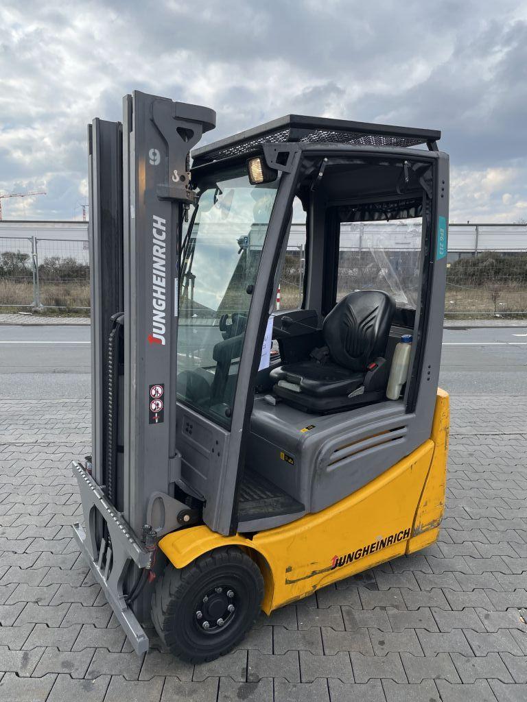 Jungheinrich EFG 213 Baujahr 2018 Hours 696 NEUWERTIG Elektro 3 Rad-Stapler www.gst-logistic.com