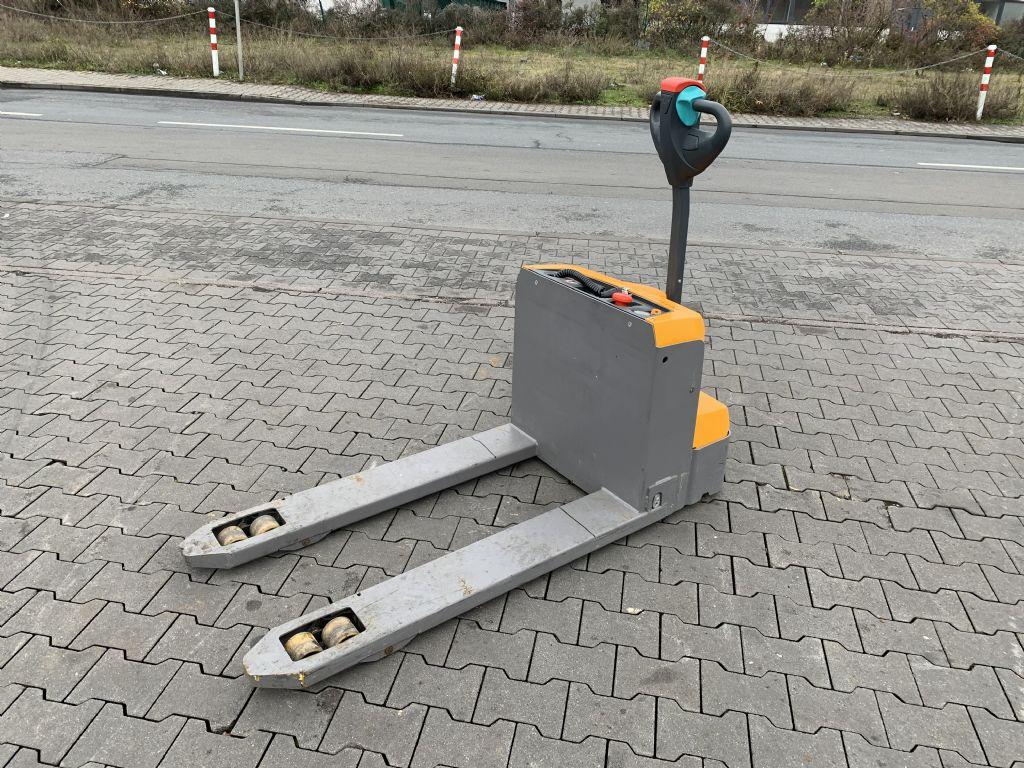 Jungheinrich EJE M 15 Baujahr 2016 Ladegerät Integriert Niederhubwagen www.gst-logistic.com
