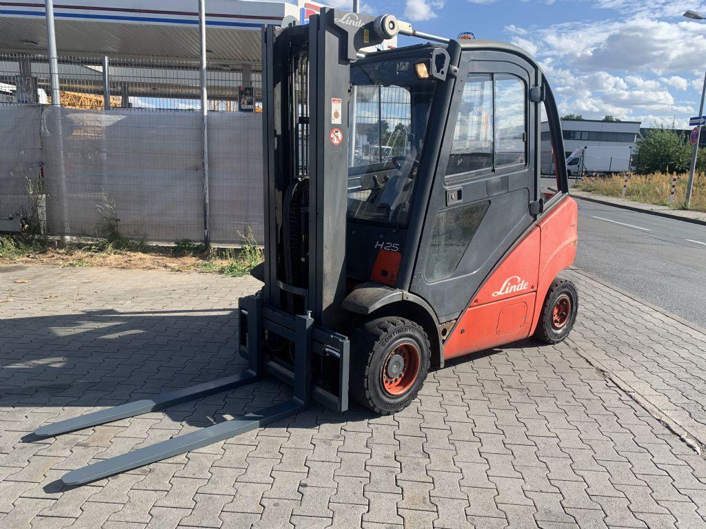 Linde H 25 T Baujahr 2004 / Stunden 4316 / HH 5000 Treibgasstapler www.gst-logistic.com