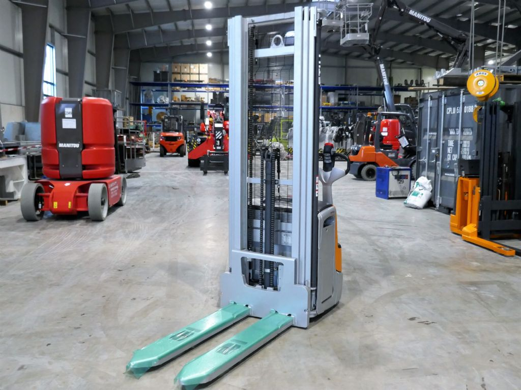 Still EXV 14C High Lift stacker www.schumacher-gabelstapler.de