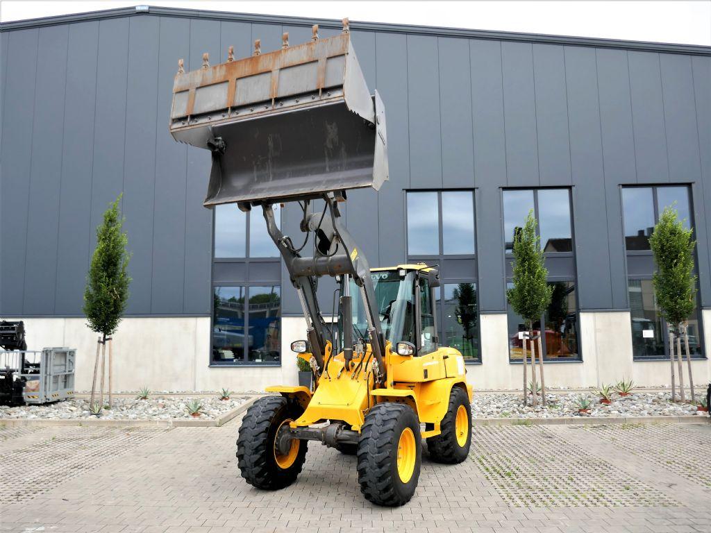 Volvo Wheelloader L30G Radlader www.hanselmann.de