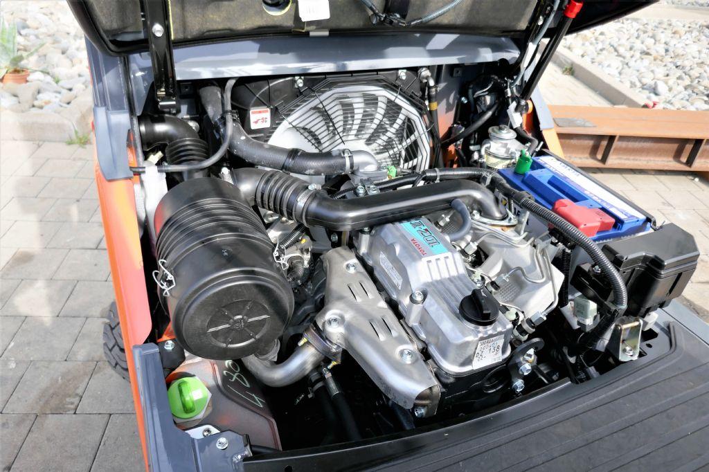 Toyota 02-8FDF18 Dieselstapler www.hanselmann.de
