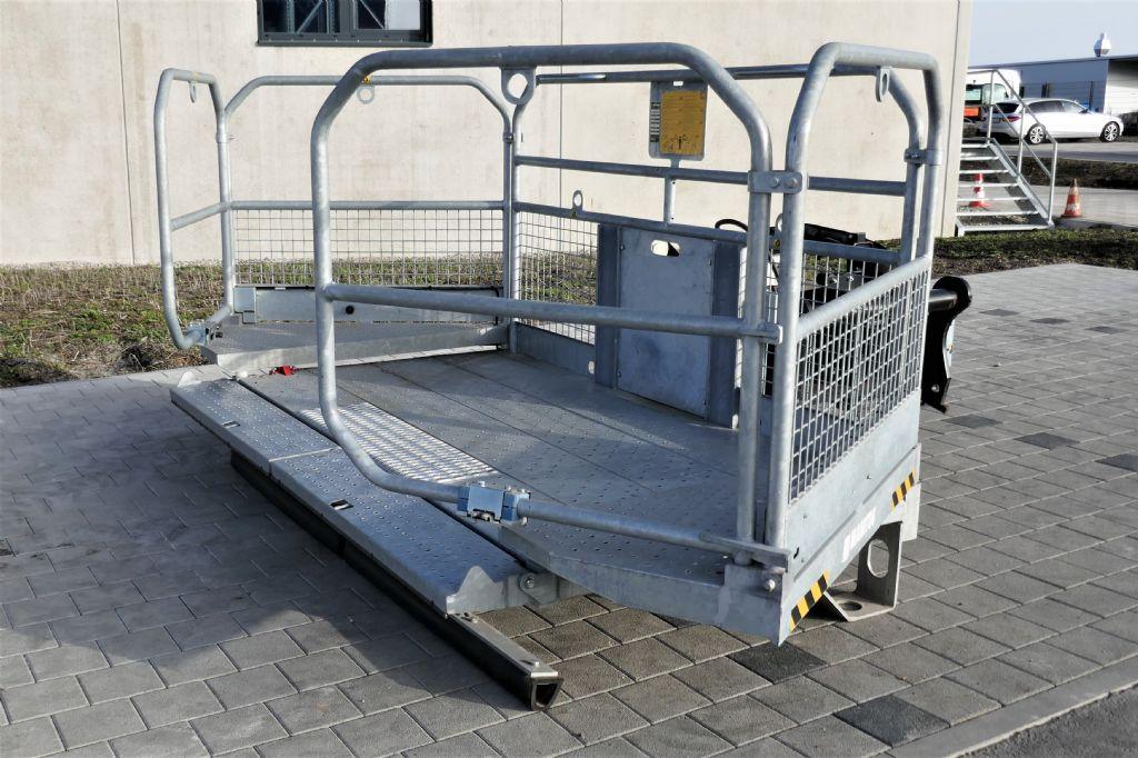 Manitou DACHDECKERBUHNE NC 1000 Personenkorb www.hanselmann.de