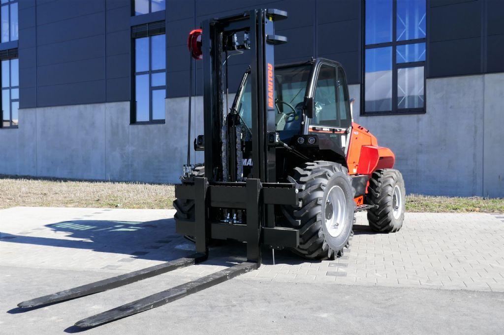 Manitou M50-4D ST5 S1 EU Geländestapler www.hanselmann.de