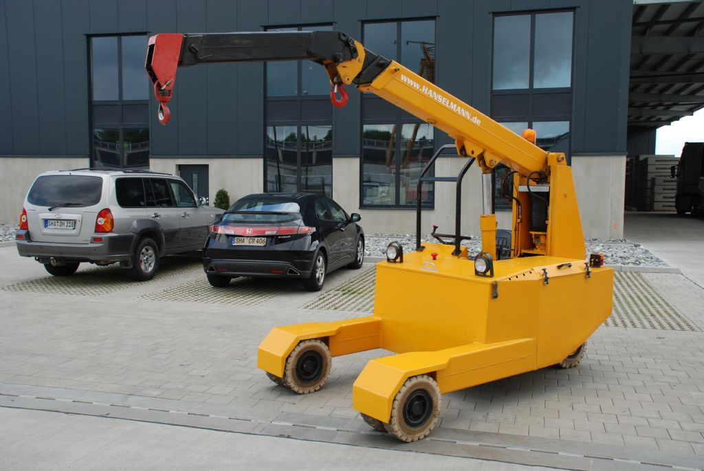 Manghi Gru Kran Manghi P25 Pick & Carry Crane www.hanselmann.de