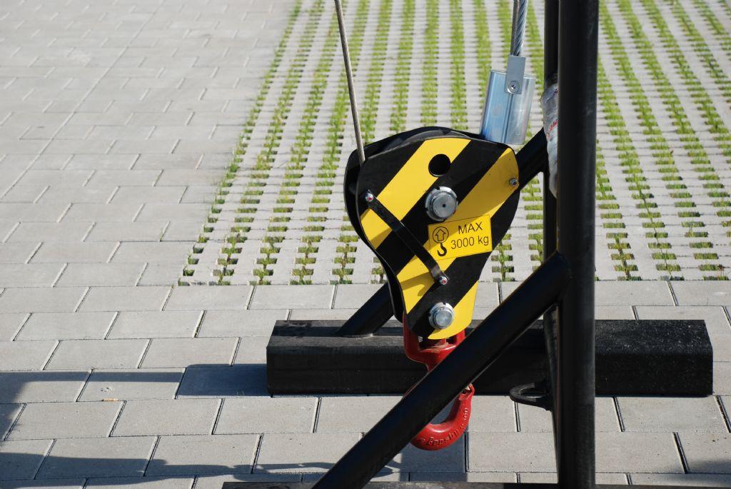 Manitou Treuil 3TON (für Manitou MRT2150 +) Hydraulische Seilwinde www.hanselmann.de