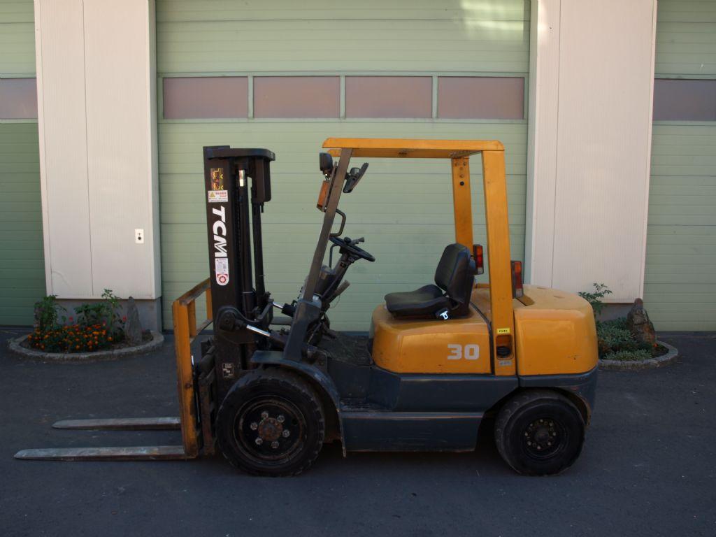 TCM FHD30Z5 700 Dieselstapler www.gabelstaplerservice.at