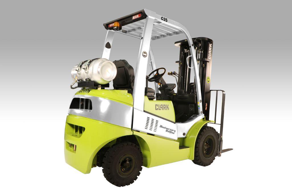 Clark C25 Diesel Neu Dieselstapler www.gabelstapler-heckert.de