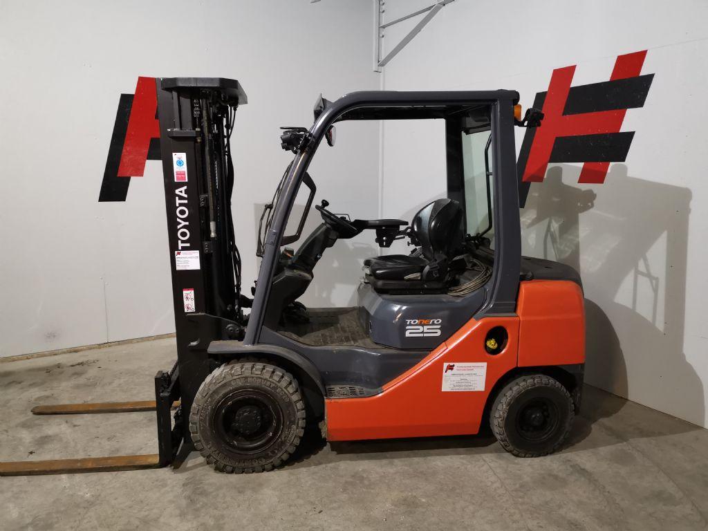 Toyota 02-8FDF25 Dieselstapler www.heinbockel-gabelstapler.de