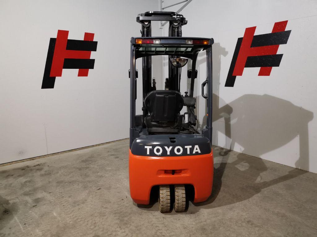 Toyota-8FBET15-Elektro 3 Rad-Stapler-www.heinbockel-gabelstapler.de