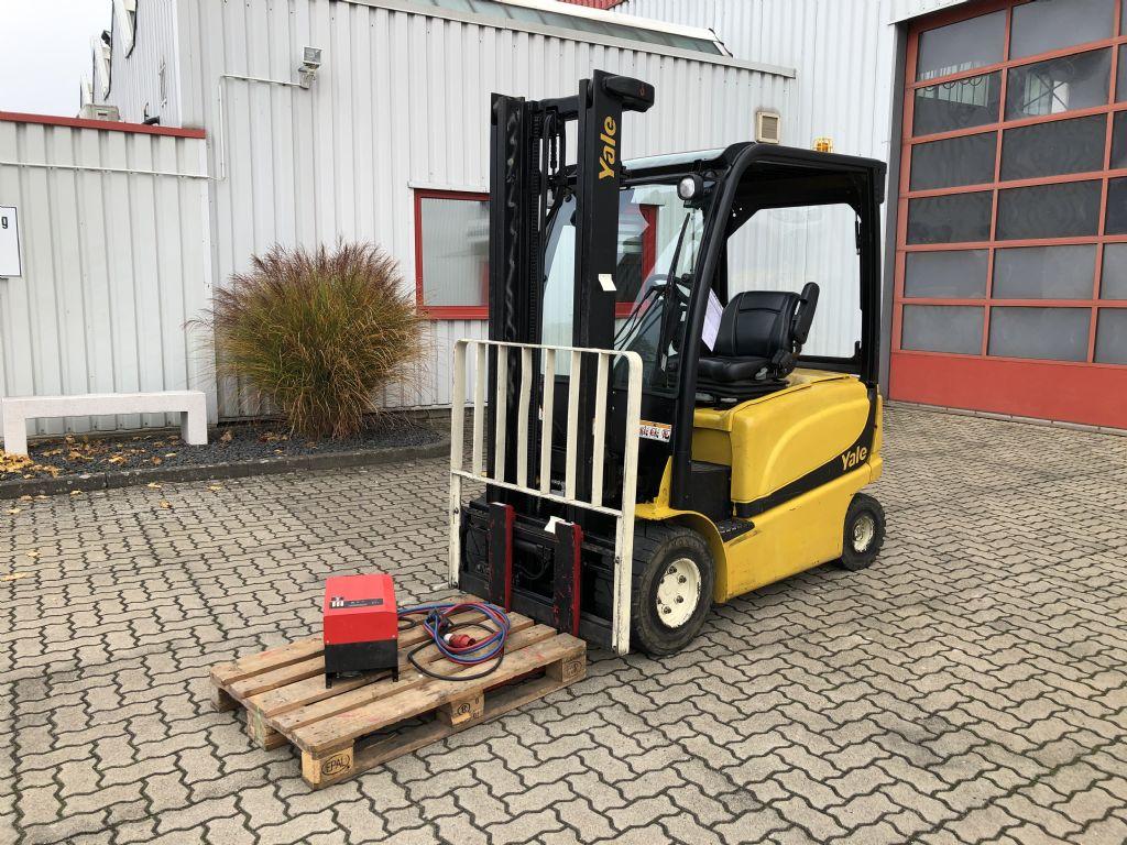 Yale-ERP25VLMWB-Elektro 4 Rad-Stapler-www.herbst-gabelstapler.de